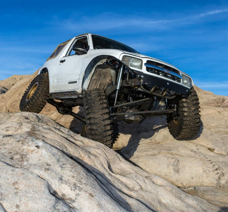 2001 Tracker Lightweight Rock Crawler : Zuki Offroad